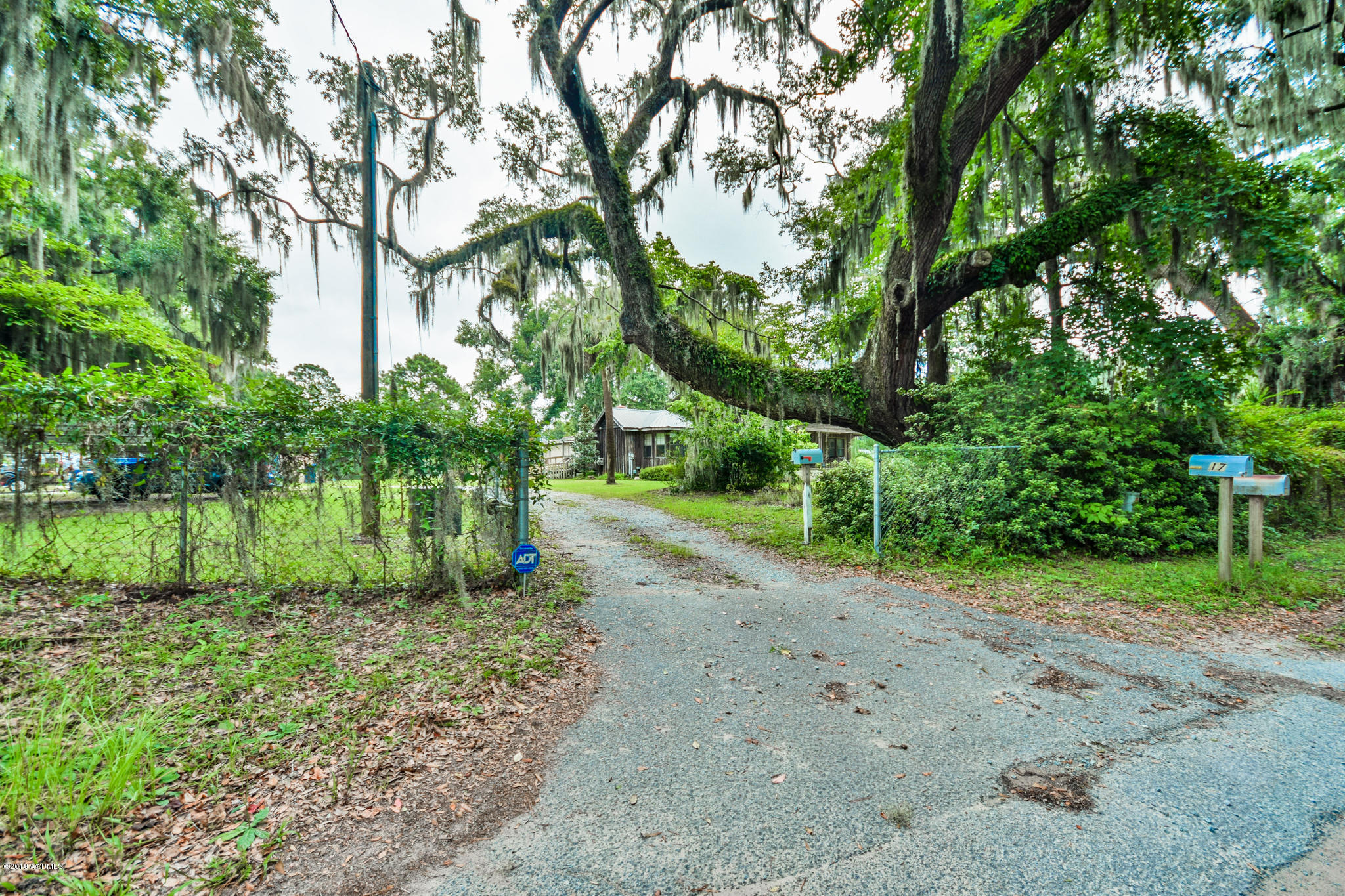 Photo of 17 Old Salem Road, Beaufort, SC 29902