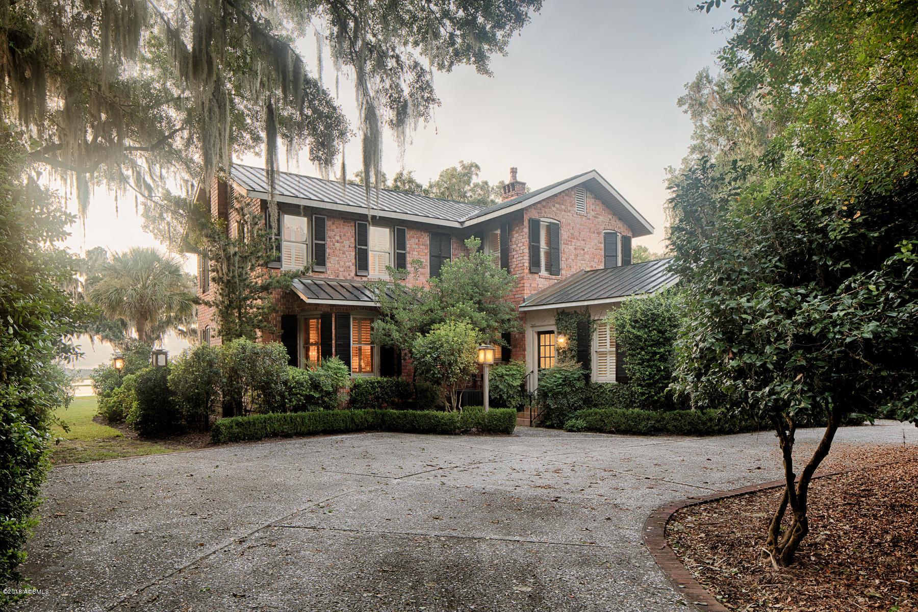 Photo of 875 Ribaut Road, Beaufort, SC 29902