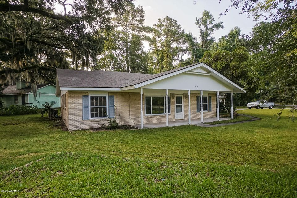 Photo of 3014 Shell Point Road, Beaufort, SC 29906